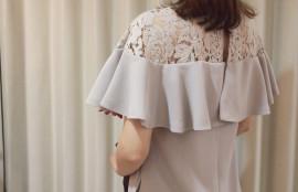 肩付きドレス