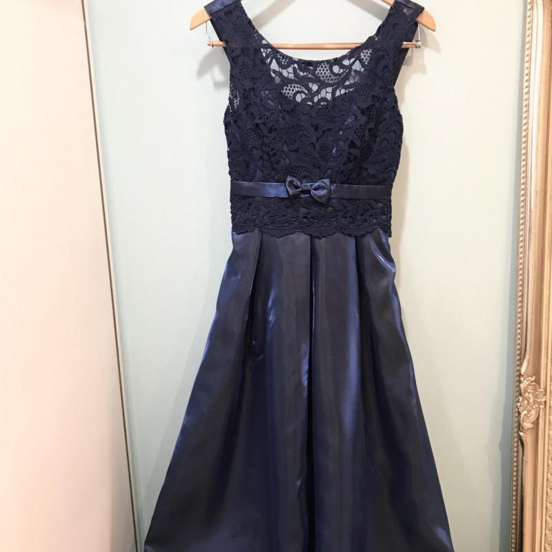 レースドレス